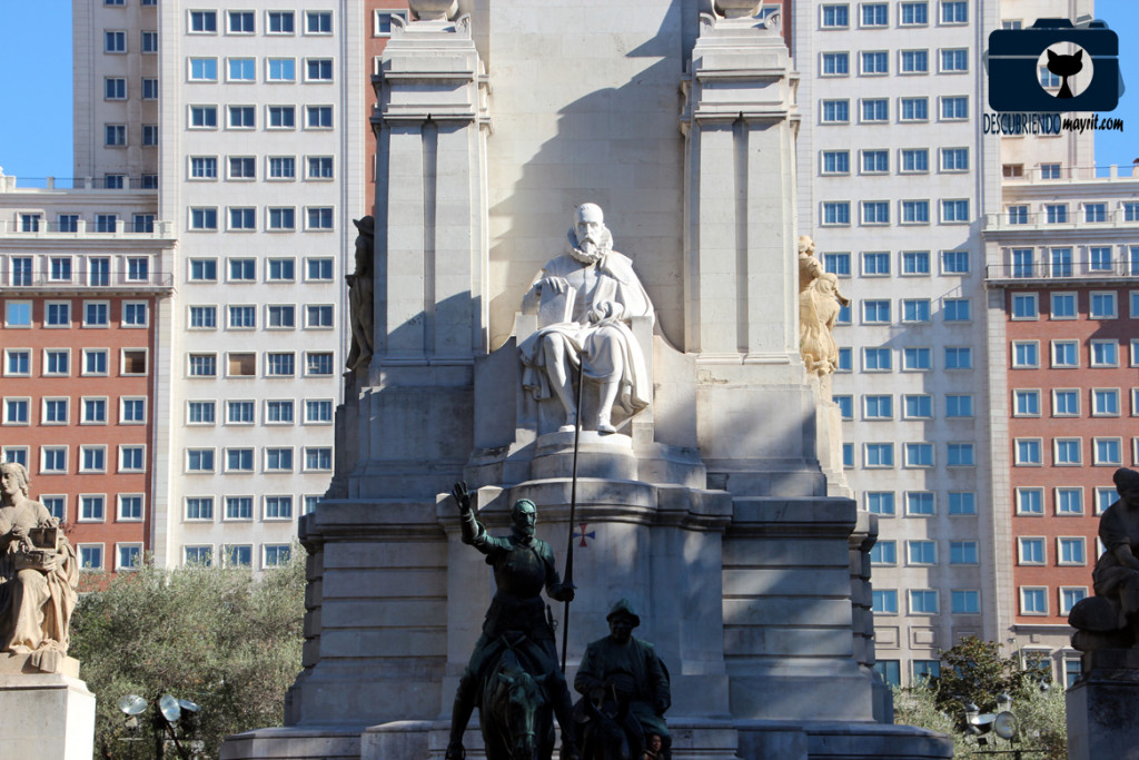 Monumento a Cervantes - Descubriendo Mayrit