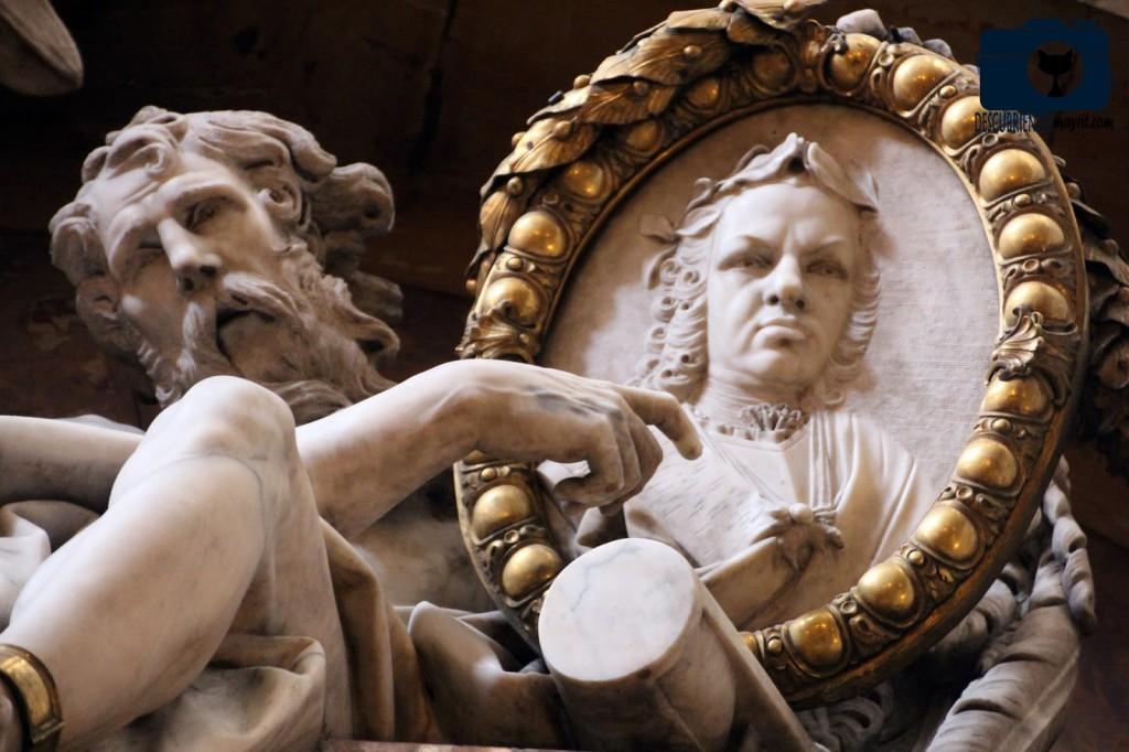 Sepulcro de Fernando VI - Salesas Reales - Descubriendo Mayrit