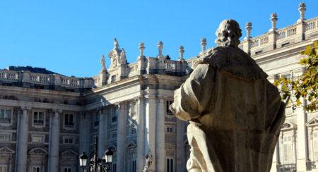 Estatuas del Palacio Real - Descubriendo Mayrit